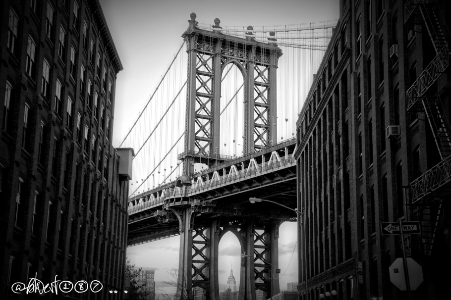 Brooklyn Bridge Dumbo.jpg